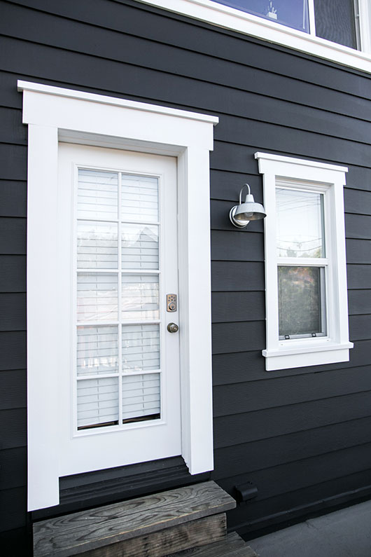 Read more about the article FRESHEN UP YOUR HOUSE WITH AN EXTERIOR TRIM PAINTING